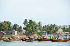 Fiskebåtar på dagen vilar, Vietnam Arkivbild
