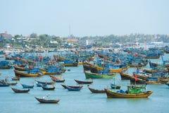 Fiskebåtar Vietnam Royaltyfria Foton