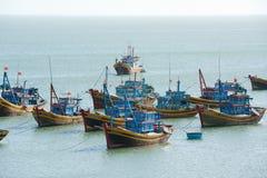 Fiskebåtar Vietnam Fotografering för Bildbyråer