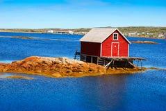 Fiskeetapp på den steniga ön Arkivfoto