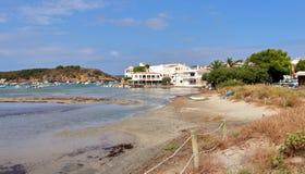 Fiskeläge för Es Grau på Minorca i Spanien Royaltyfria Bilder