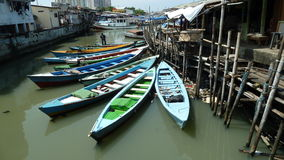 Fiskeläge på den Jakarta hamnen Fotografering för Bildbyråer