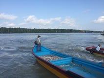 fiskeläget i kukup, lokaliseras det i den johor staten arkivbild