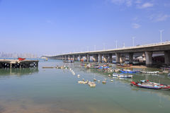 Fiskepir under xinglinbron, xiamen stad, porslin Arkivfoton