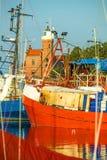 Fiskeport av Ustka, Polen Arkivfoton