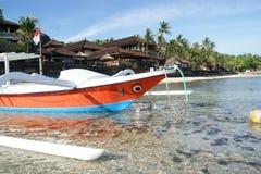 Fisketrimaran i Bali, Indonesien arkivfoto