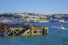 Fiskeutrustning i den yttre hamnhamnen Brixham Devon England UK Fotografering för Bildbyråer