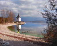 Fiskeutrustning på Liptovskaen Mara, Slovakien fotografering för bildbyråer