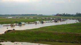 Fisklantbruk på den LaNga floden Arkivbilder