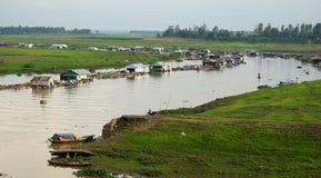 Fisklantbruk på den LaNga floden Royaltyfri Foto