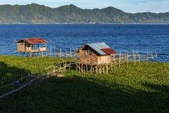 Fisklantgård på sjön Tondano Arkivbilder