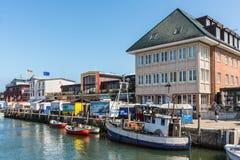 Fiskmarknad i Warnemunde, Rostock, Mecklenburg-västra Pomerani fotografering för bildbyråer