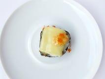 Fiskrom för fisk för flyg för ost och för toppning för sushirulle Royaltyfri Bild