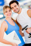 Fit couple at the gym Royalty Free Stock Photos