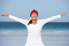 Fit happy healthy mature woman exercising Royalty Free Stock Photos