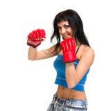 Fit kvinnaboxning Royaltyfri Bild