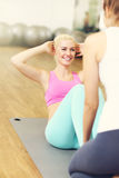 Fit woman doing sit ups Royalty Free Stock Images