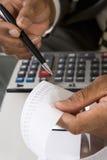 Fita de Reading Adding Machine do contador Foto de Stock Royalty Free