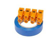 Fita elétrica azul com conectores de cabo foto de stock royalty free