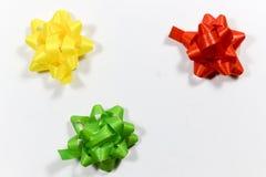 Fitas coloridas do pacote do presente Fotografia de Stock Royalty Free