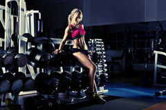 Fitness girl in gym Royalty Free Stock Photography