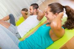 Fitness klasse in sportclub Royalty-vrije Stock Foto's