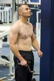 fitness siłowni fizycznej szkolenia Zdjęcia Royalty Free