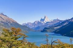 Fitz Roy και άποψη λιμνών βουνών Poincenot - Παταγωνία - Argentin Στοκ Φωτογραφία