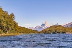 Fitz Roy και άποψη λιμνών βουνών Poincenot - Παταγωνία - Argentin Στοκ Εικόνα