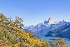 Fitz Roy και άποψη λιμνών βουνών Poincenot - Παταγωνία - Argentin Στοκ εικόνες με δικαίωμα ελεύθερης χρήσης