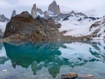 Fitz Roy Argentyna - halny jezioro zdjęcie stock