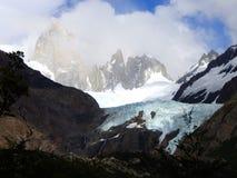 Fitz Roy Massif e geleira Piedras Blancas imagem de stock