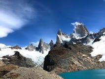 Fitz Roy Massif met Lago DE Los Tres - Gr Chalten, Argentini? stock foto's