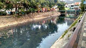 Fiume alla vecchia città Jakarta Fotografia Stock Libera da Diritti