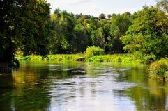 Fiume Avon, Salisbury, Wiltshire, Inghilterra Fotografia Stock Libera da Diritti