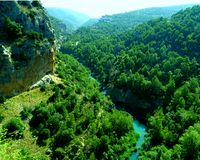 Fiume blu della gola in Spagna immagine stock