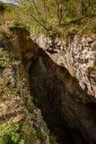 Fiume che entra nel canyon Fotografia Stock