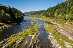 Fiume che entra nell'Oregon, U.S.A. Fotografia Stock Libera da Diritti