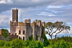 Fiume chiave Shannon Town di Roscommon del castello del Lough Immagine Stock