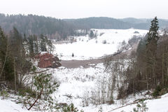 Fiume colorato inverno scenico in paese Fotografia Stock