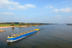 Fiume con la barca Immagine Stock