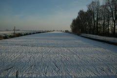 Fiume congelato fotografie stock libere da diritti