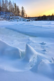 Fiume congelato inverno Fotografia Stock
