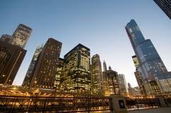 Fiume del Chicago alla notte Fotografia Stock Libera da Diritti