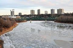Fiume del ghiaccio di inverno immagini stock