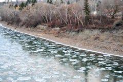 Fiume del ghiaccio di inverno fotografia stock libera da diritti