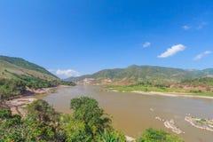 Fiume del mekhong di vista superiore con cielo blu al chiangrai del viengkang Immagini Stock Libere da Diritti