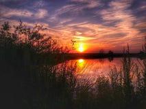 Fiume del sole del paesaggio della natura di tramonto Fotografia Stock