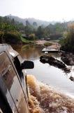 fiume dell'incrocio 4WD Fotografie Stock Libere da Diritti