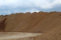 Fiume della collina della sabbia immagini stock libere da diritti
